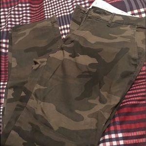 Men's A&F chino pants